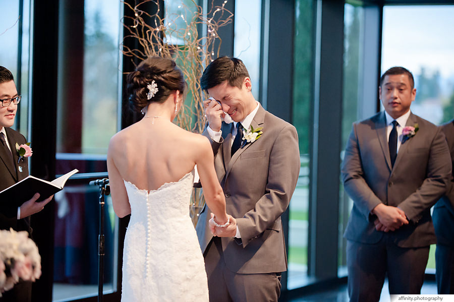 28-groom-crying-ceremony.jpg