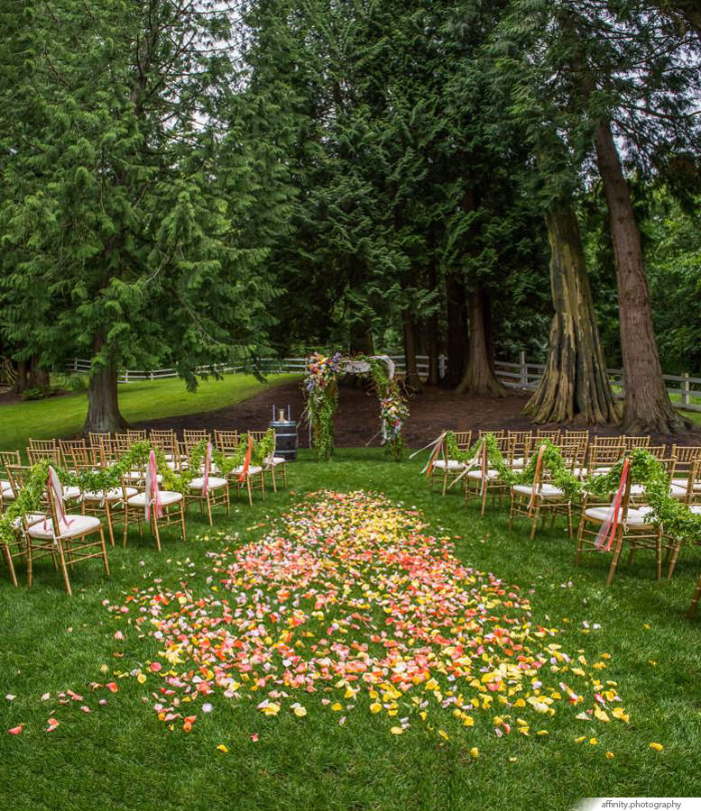 008-Blog-rose-petals-outdoor-wedding.jpg