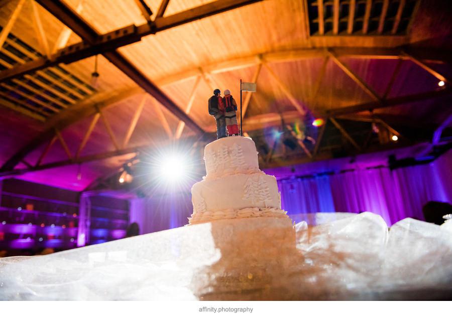 22-wedding-cake-climbers.jpg