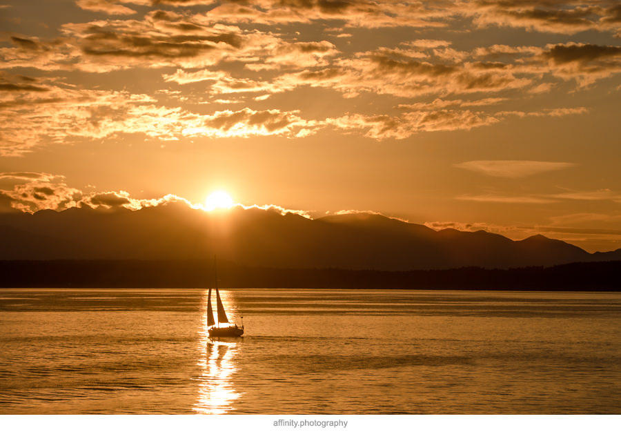 10-sunset-puget-sound-olympics-sailboat.jpg