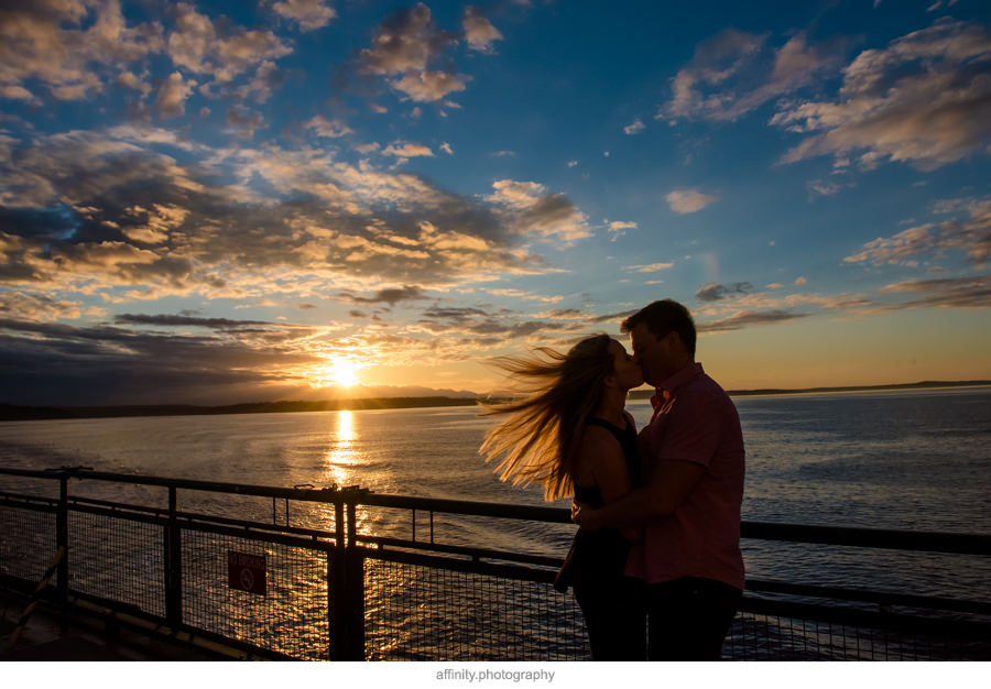 10-windy-ferry-seattle-kiss-sunset.jpg