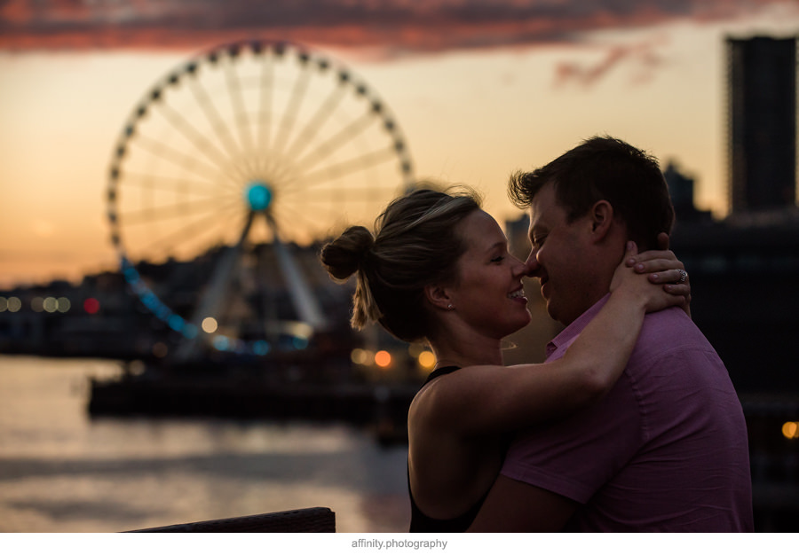 14-kiss-sunset-seattle-great-wheel.jpg