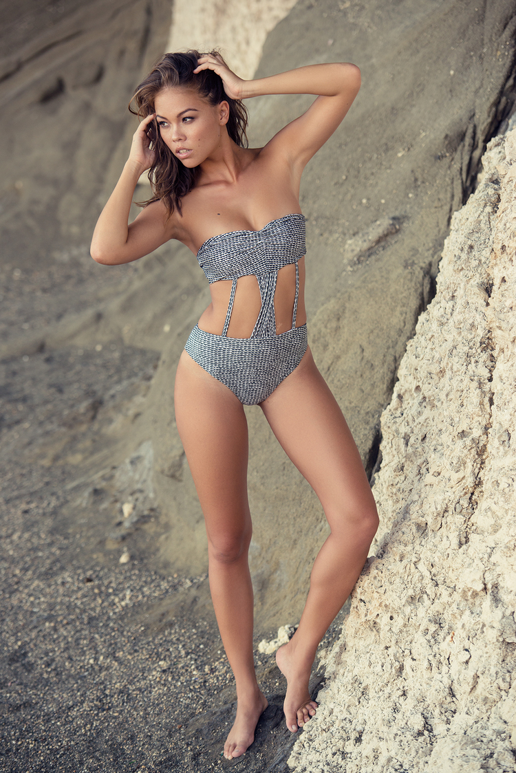 tommyshih-noties-annikabauer-swim-60-web[1].jpg