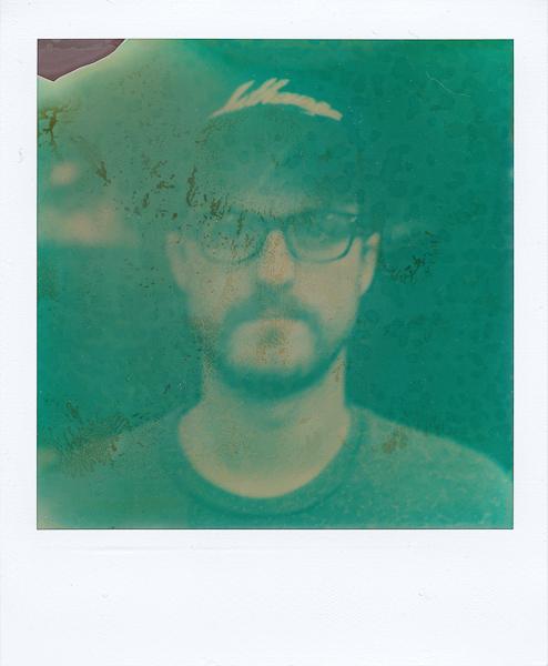 Polaroidsbook 204.jpg