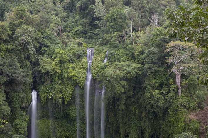 IMG_6150 waterfall2.JPG