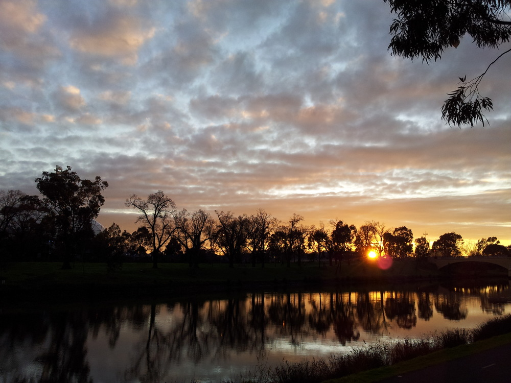 Sunrise over the Yarra River.  Image: Paul Jones