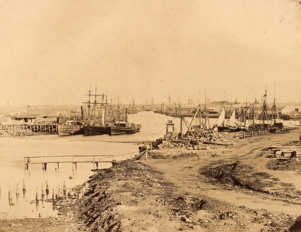 A downriver view of the original Yarra course, with the rock wall visible in the centre.   Image: http://ergo.slv.vic.gov.au