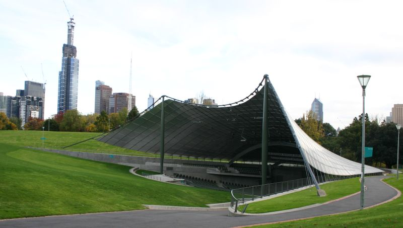 The Sidney Myer Music Bowl is a spectacular location to spend a Melbourne evening.  Image: Tirin / Wikimedia Commons