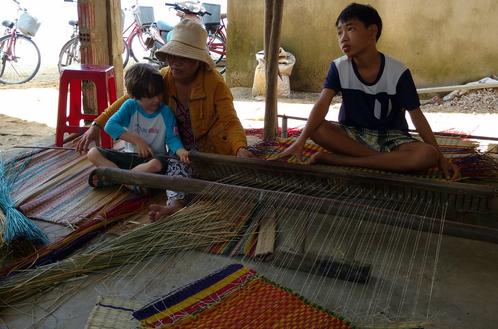 Sleeping mat weaving