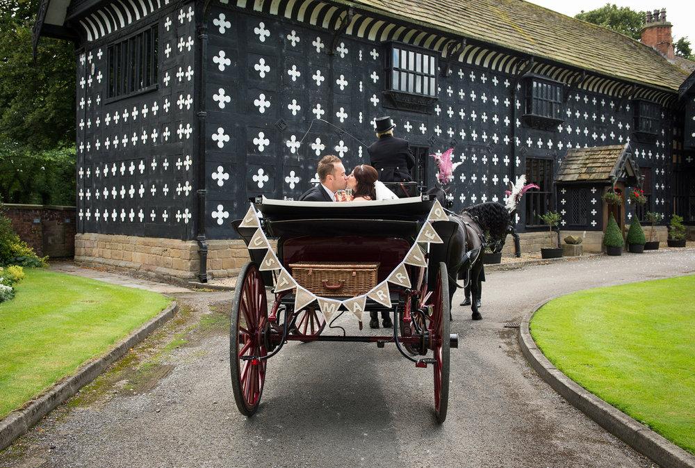 samlesbury-hall-weddings-014.jpg