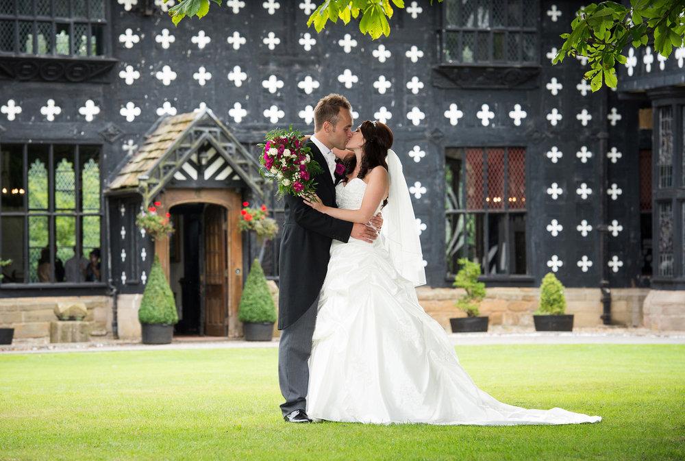 samlesbury-hall-weddings-019.jpg