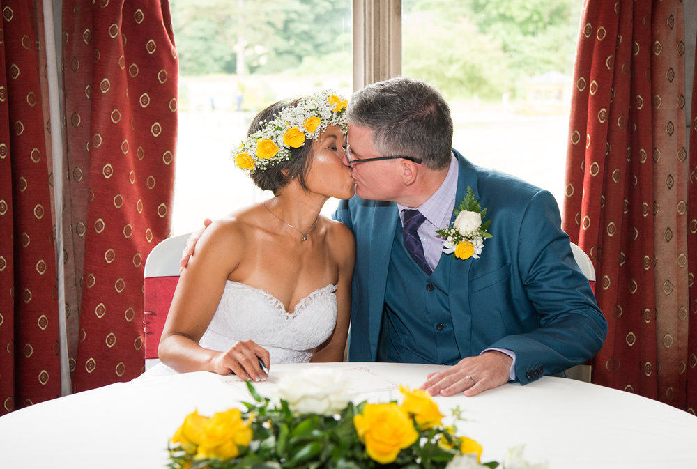 lancaster_golf_club_ashton_hall_weddings_22.jpg