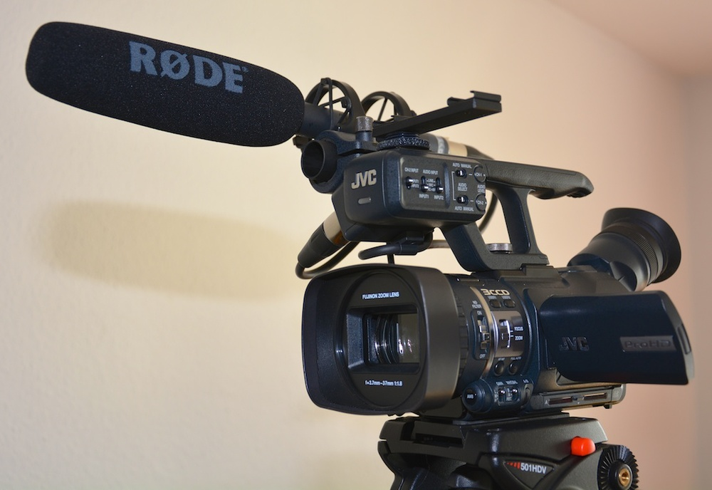 The GY-HM100 ready to shoot (without the LED video light attached)