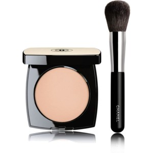Chanel Les Beiges Healthy Glow Sheer Powder. I apply this with a large powder brush like this one.
