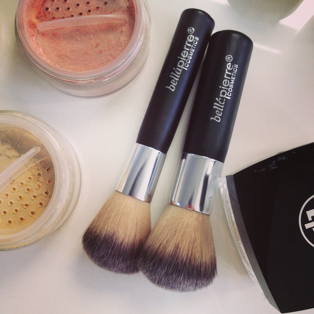 Featuring blush in desert rose and foundation in ivory ... and some of their mini travel brushes which are a delight!