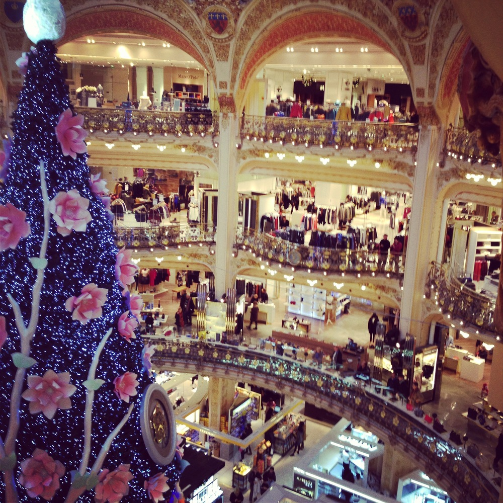 The Christmas tree inside Galeries Lafayette .... my happy place