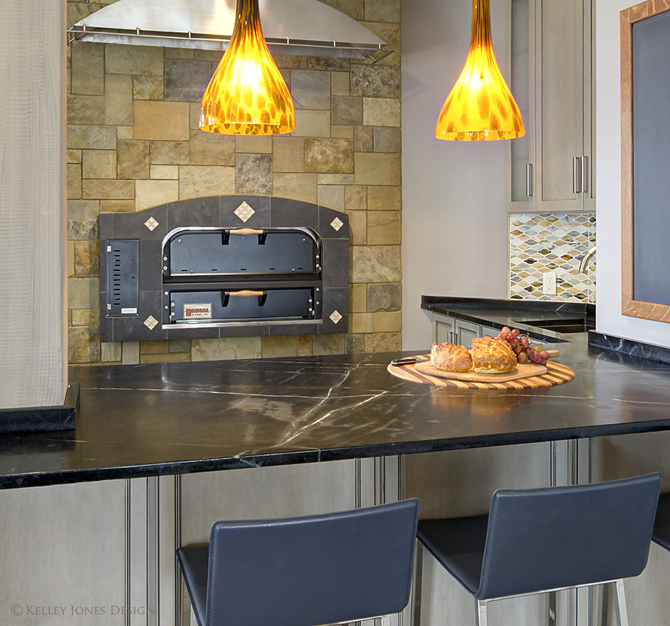 12_Lake-House_Kitchen_Design_Pizza-Oven_DLJ5513.jpg