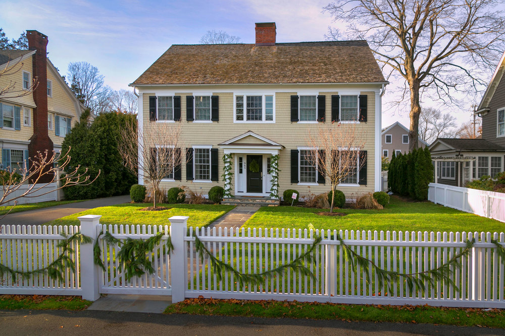 Colonial style homes pinnacle peak inc connecticut Colonial style house