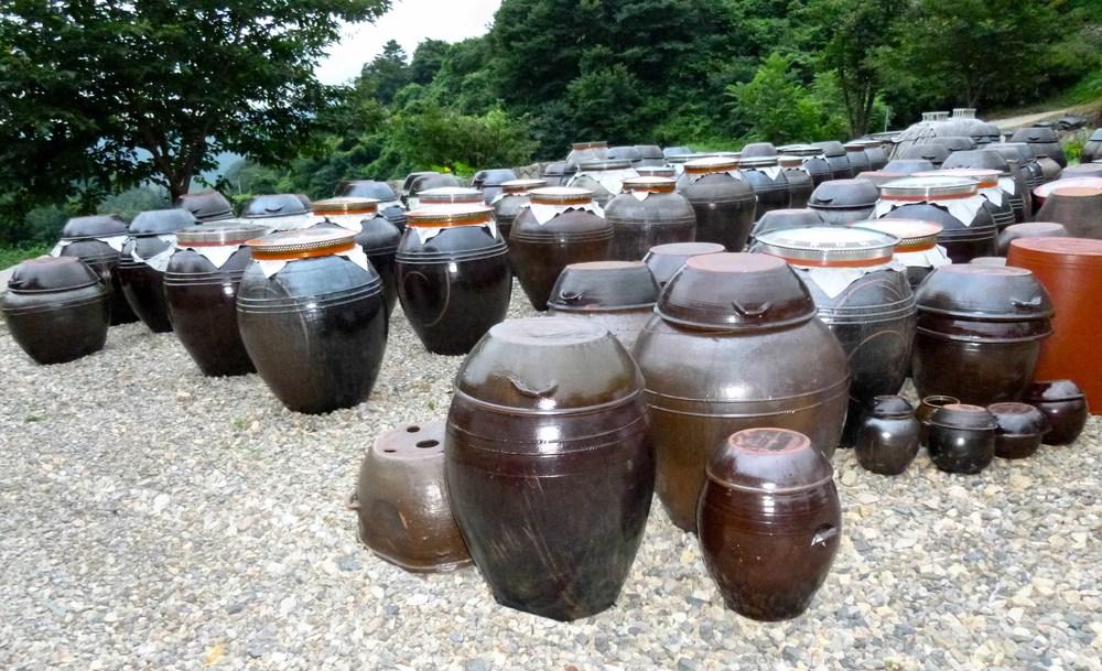 kimchi pots.jpg