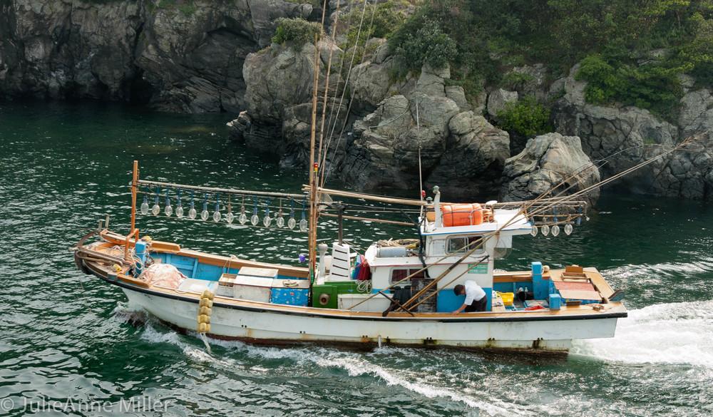 jeju boat 5.jpg