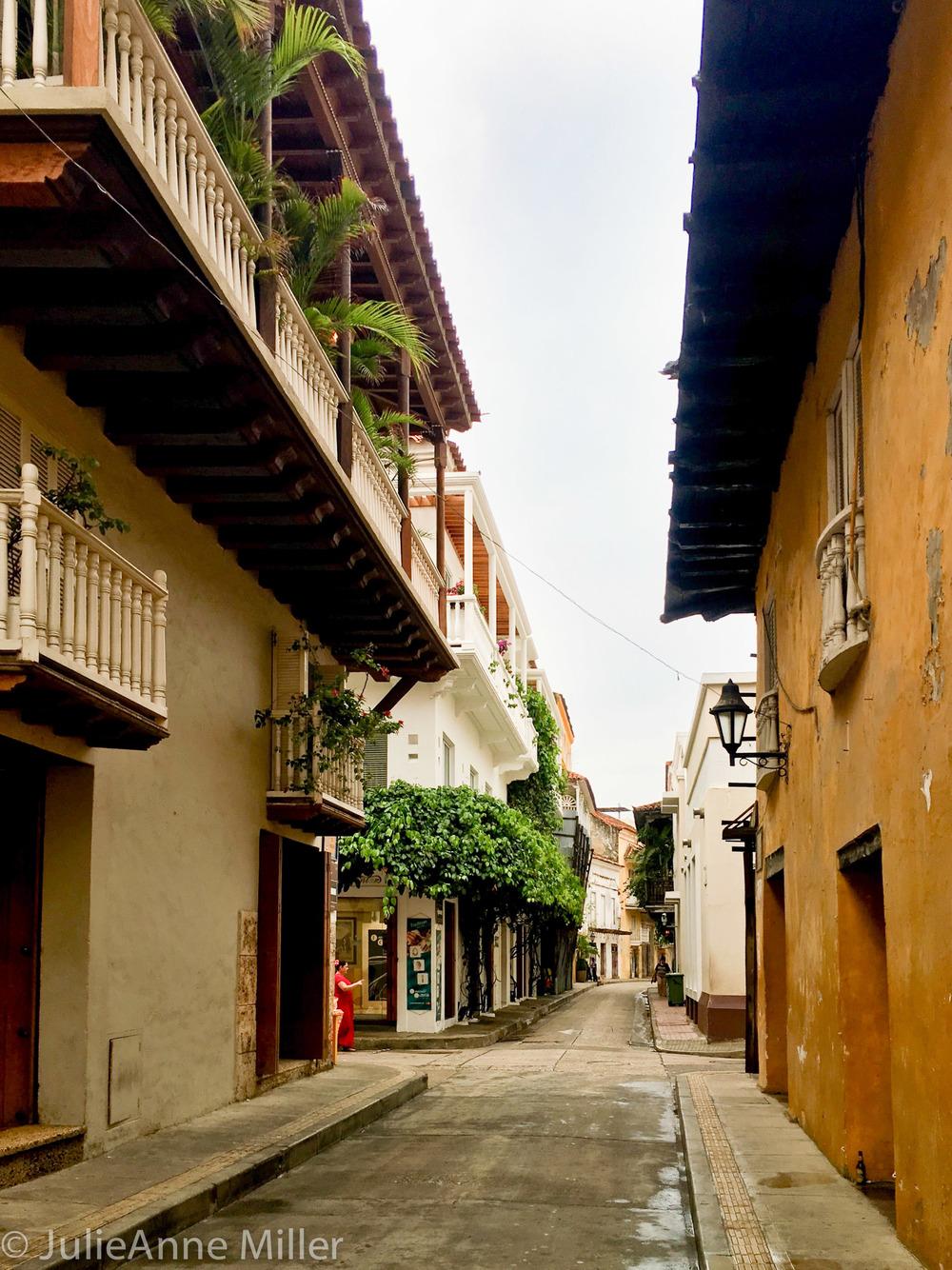 Old City Calle.jpg