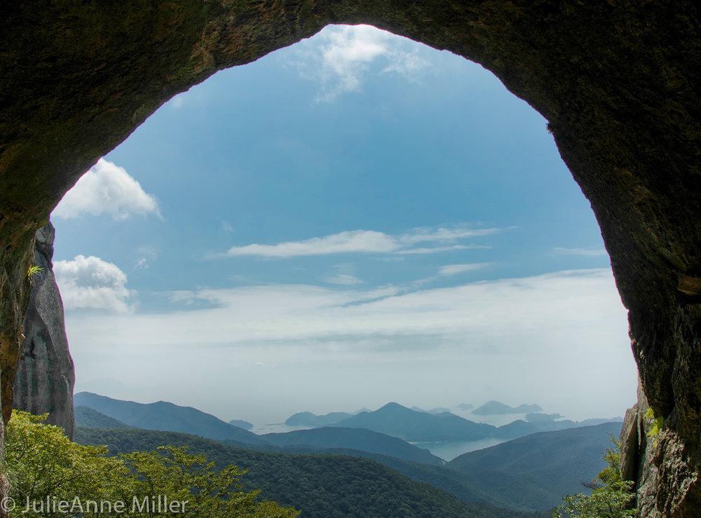 double-rainbow cave (쌍홍문), Geumsan, Korea