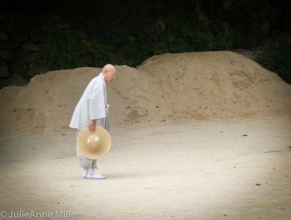 Seokkuram Korean monk