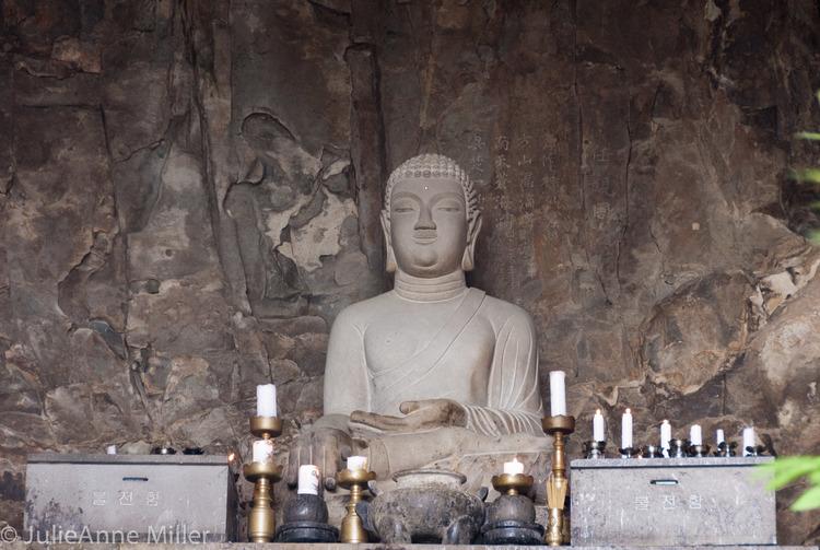 Sanbang Mountain (산방산) and Bomunsa grotto temple (보문사산방굴사)
