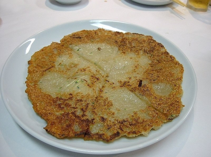 Photo Credit: https://commons.wikimedia.org/wiki/File%3AKorean_potato_pancake-Gamjajeon-01.jpg