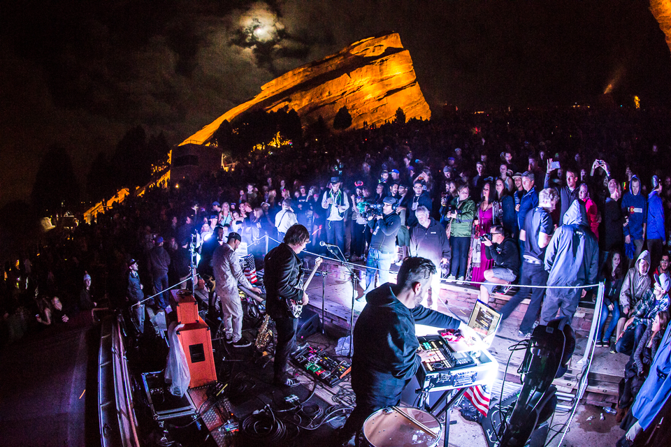 sts9-rrx14-iwally-alivecoverage-8.jpg
