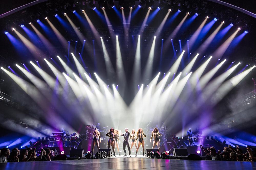 Pitbull_Vegas_ALIVEcoverage-2.jpg