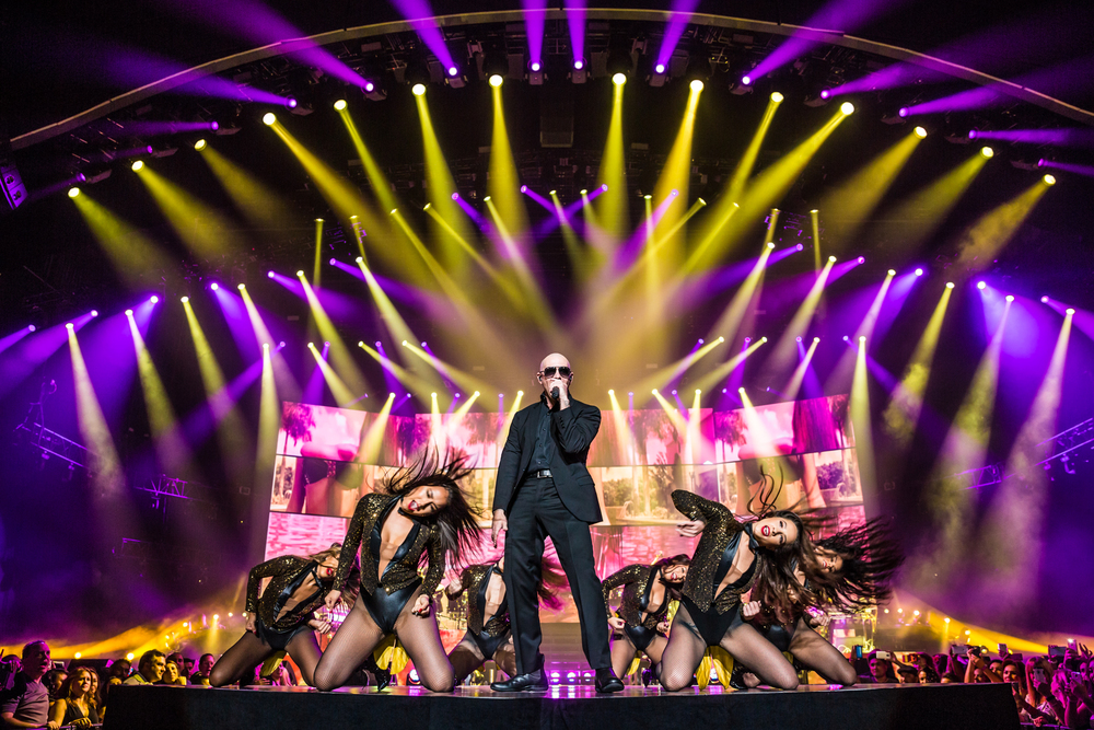 Pitbull_Vegas_ALIVEcoverage-3.jpg