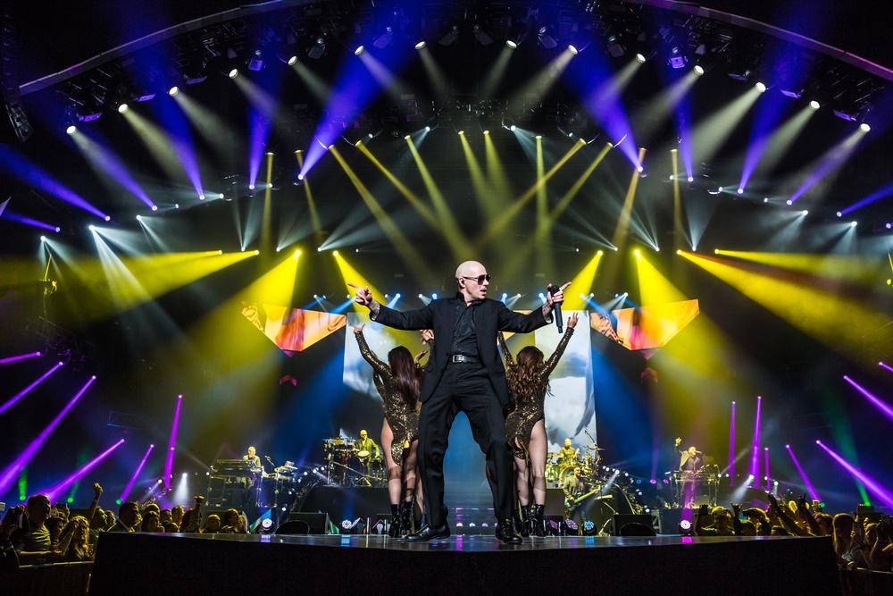 Pitbull_Vegas_ALIVEcoverage-5.jpg