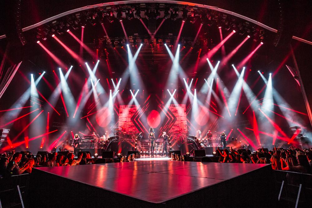 Pitbull_Vegas_ALIVEcoverage-7.jpg