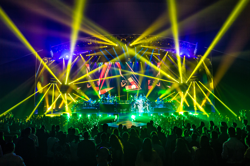 Pitbull_Vegas_ALIVEcoverage-17.jpg
