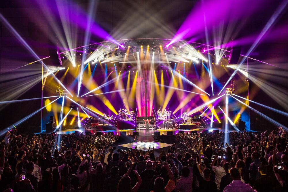 Pitbull_Vegas_ALIVEcoverage-26.jpg
