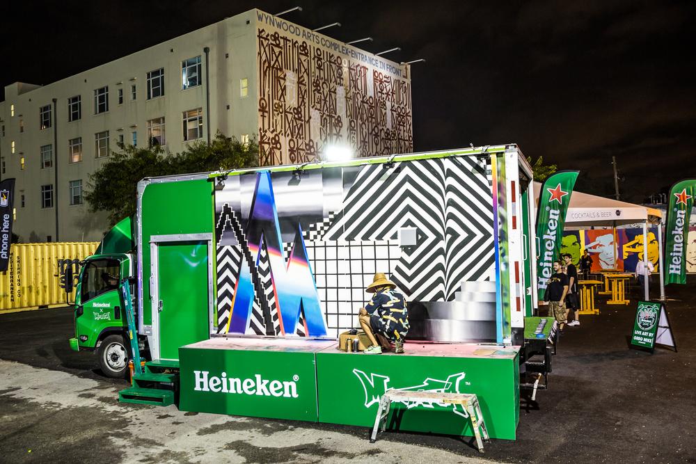 HeinekenArtTruck_iWally-2.jpg