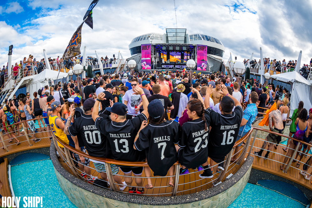 HolyShip_Jan16-alivecoverage-11.jpg