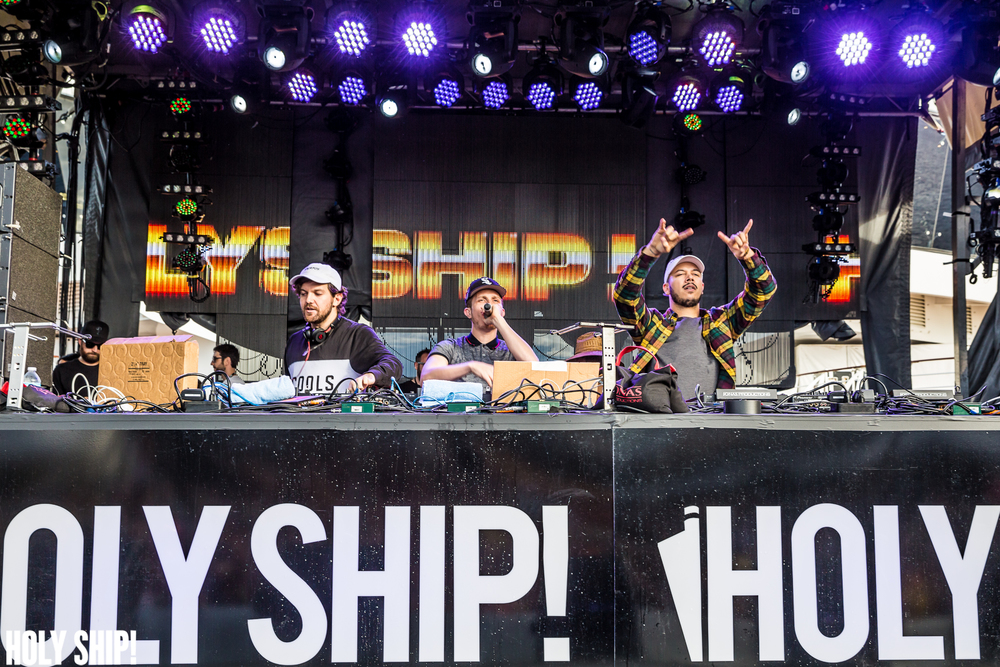 HolyShip_Jan16-alivecoverage-15.jpg