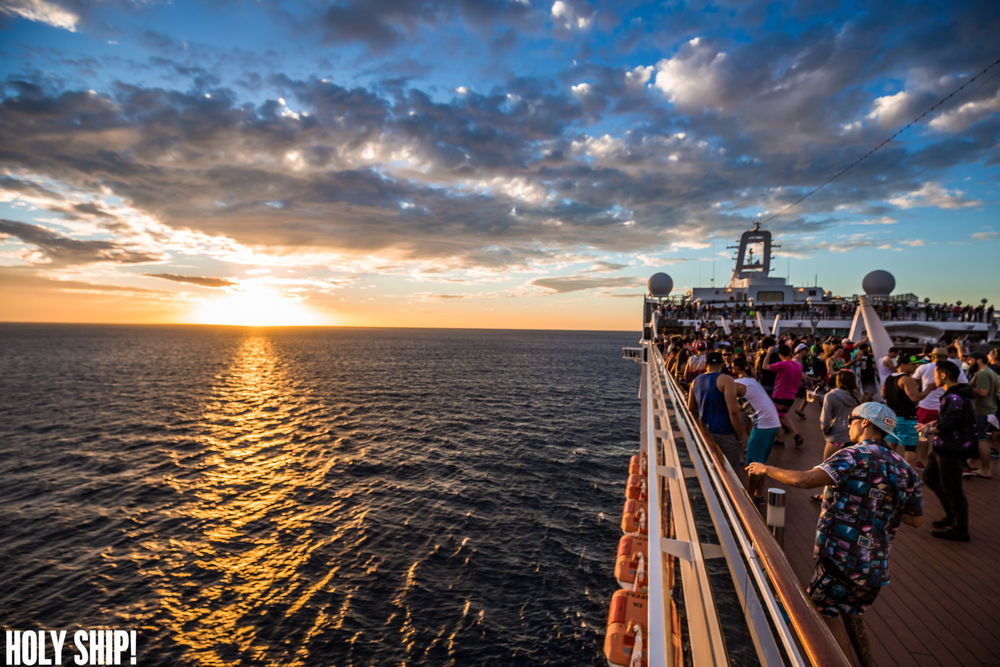 HolyShip_Jan16-alivecoverage-22.jpg