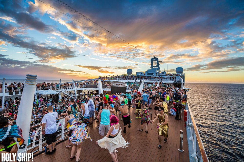 HolyShip_Jan16-alivecoverage-24.jpg