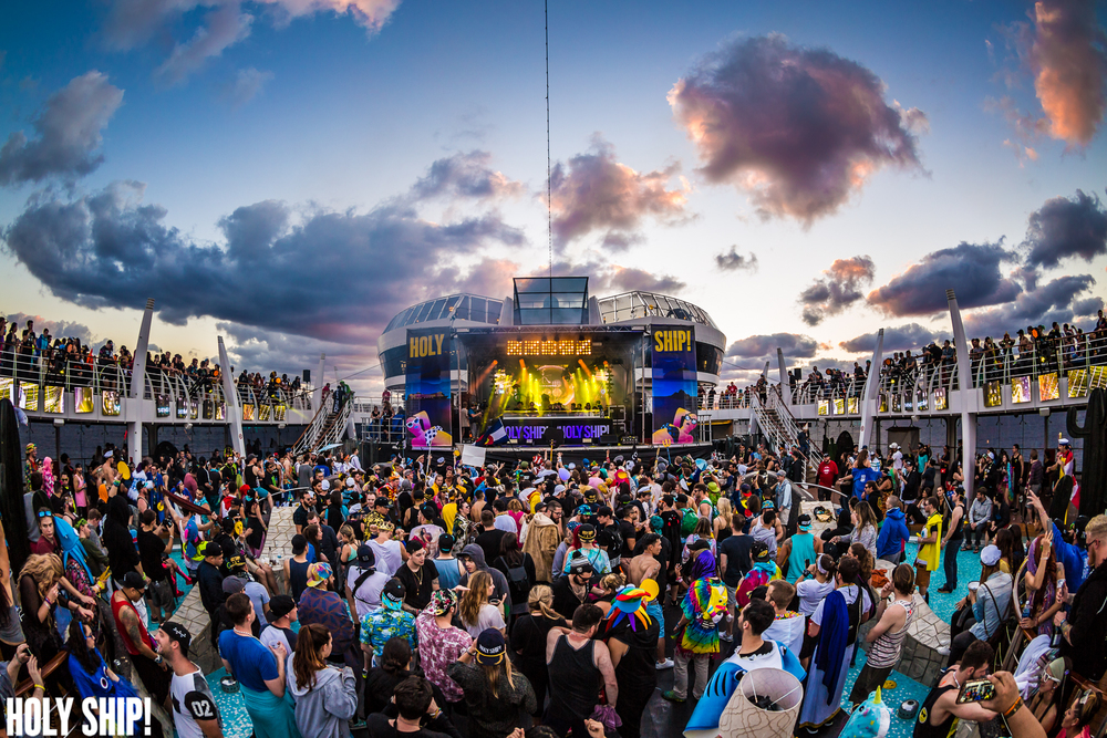 HolyShip_Feb2016_alivecoverage-31.jpg