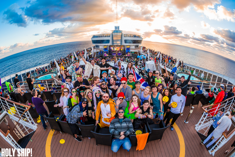 HolyShip_Feb2016_alivecoverage-32.jpg