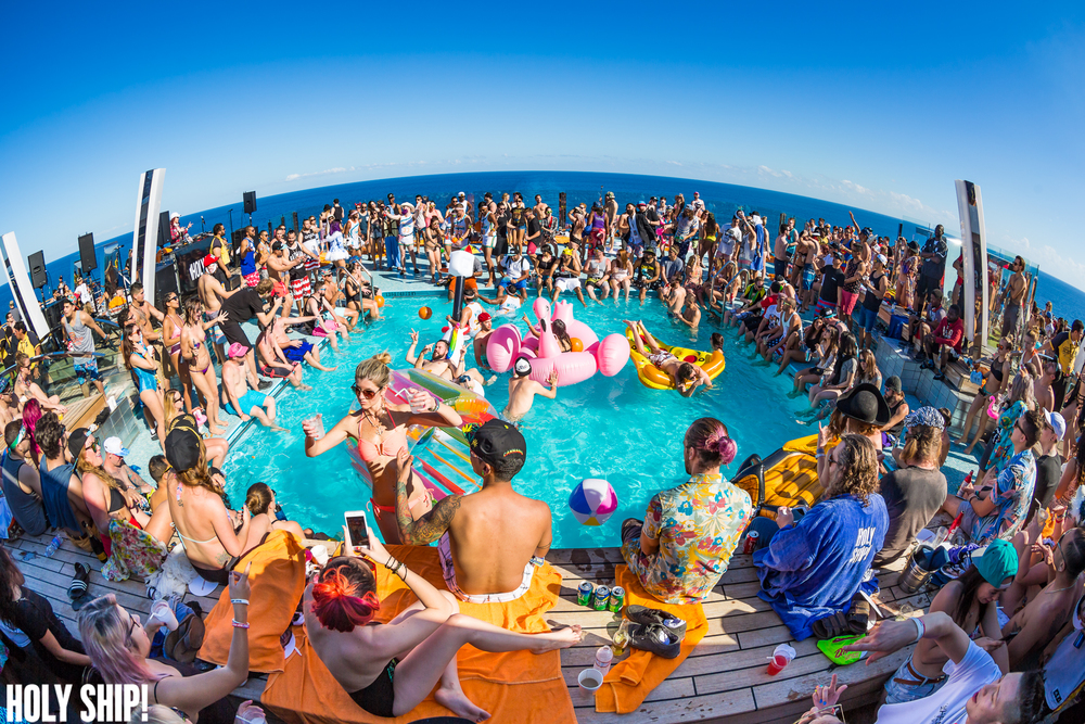 HolyShip_Feb2016_alivecoverage-34.jpg