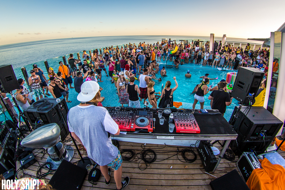 HolyShip_Feb2016_alivecoverage-38.jpg