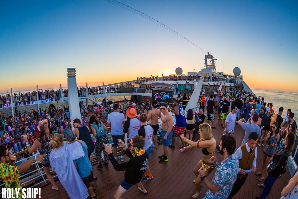 HolyShip_Feb2016_alivecoverage-41.jpg
