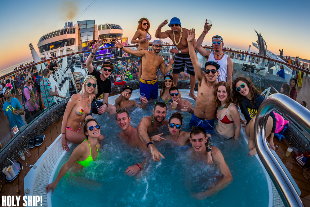 HolyShip_Feb2016_alivecoverage-42.jpg