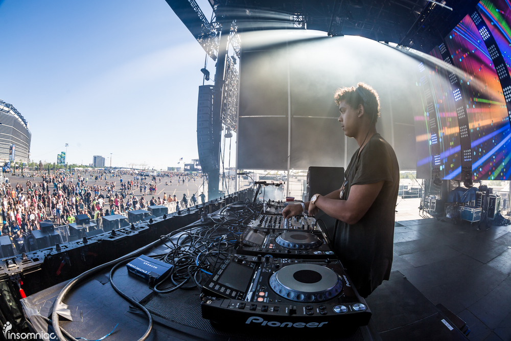 EDCNY_2015_iWally_aLIVECoverage-2.jpg