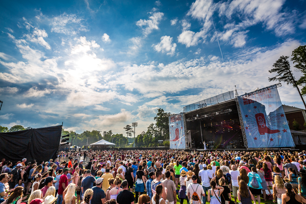 ShakyBoots_2015_iwally_alivecoverage-2.jpg