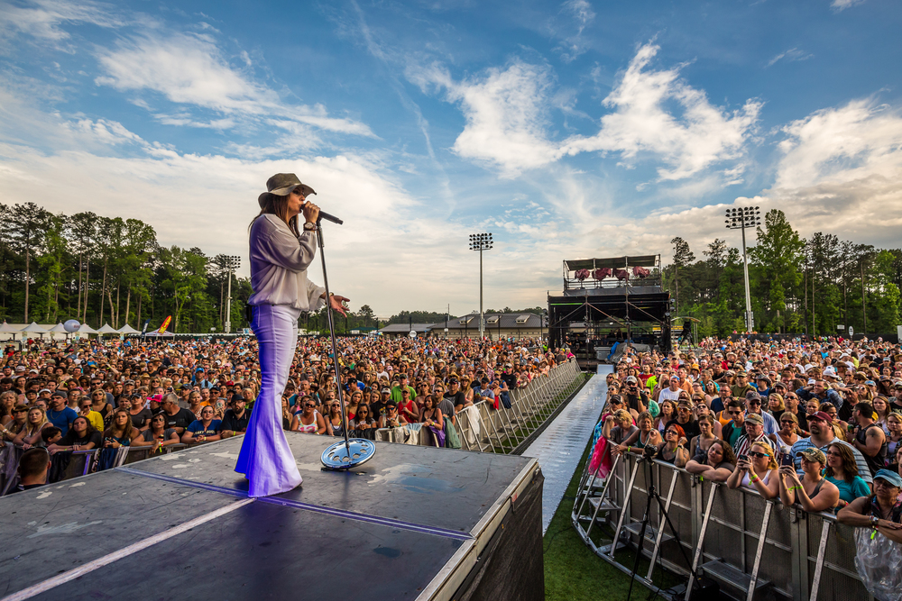 ShakyBoots_2015_iwally_alivecoverage-4.jpg